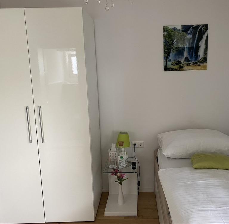 ez-rooms2